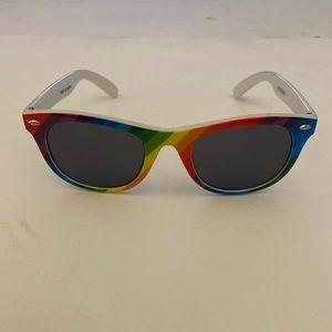 Rainbow pride rainbow 🌈 sunglasses in EUC